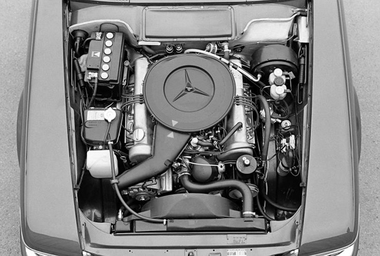 An SL first: 3.5 liter V-8 produced 230hp SAE @ 6,500 rpm. The extra power was masked somewhat by the 300 lbs weight gain over the outgoing 113 'Pagoda&quot; 280SL.