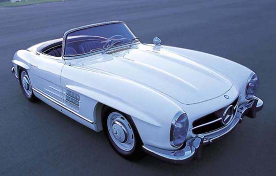 The 300SL roadster eliminated most of the Gullwing's vices, featuring 'normal' doors and open-air relief from the Gullwing's claustrophobic, and hot, interior. Rear axle modifications provided more predictable handling.
